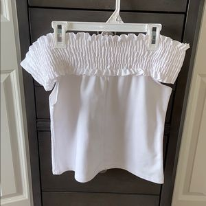 White Off the shoulder shirt!💋